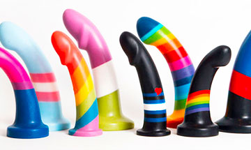 Dildo play at its best !